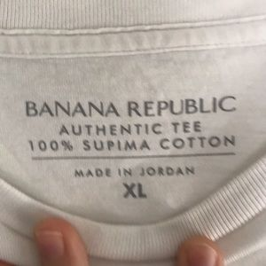 Banana Republic Shirts - Men's Banana Republic Tee